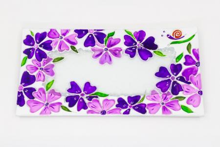 Üvegtál lila virágmintával